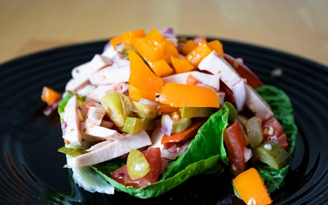Saurer Wurst-Salat
